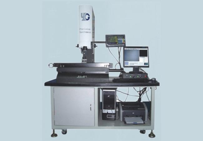 投影测量仪